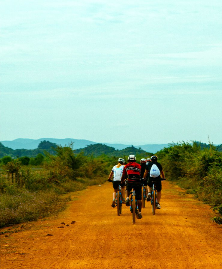 Cambodia cycling tours